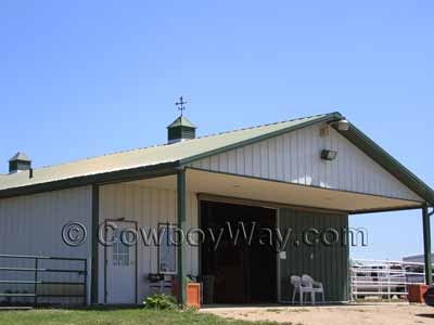 A barn with two cupolas